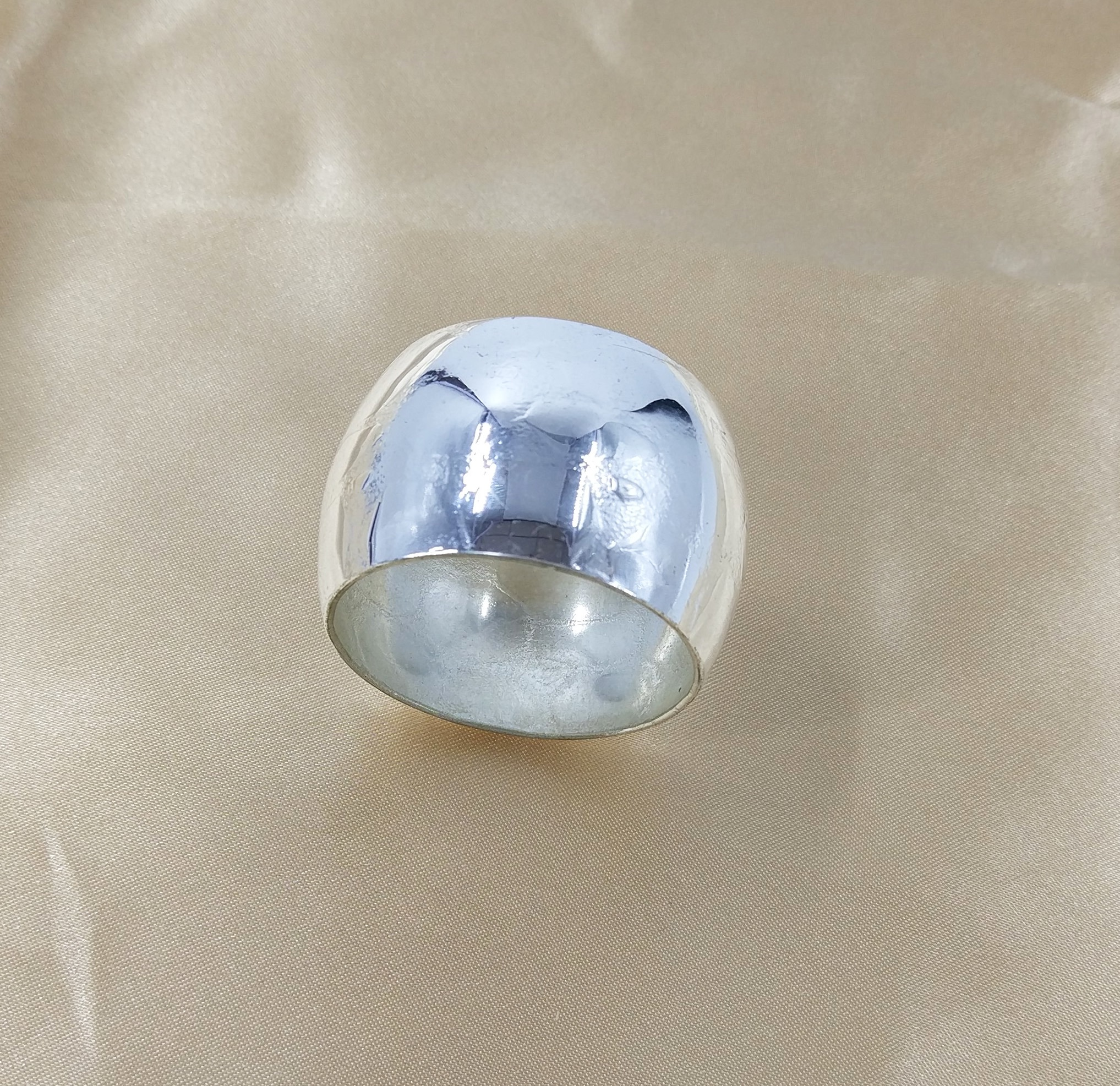 Silver napkin ring. From £0.40p each.
