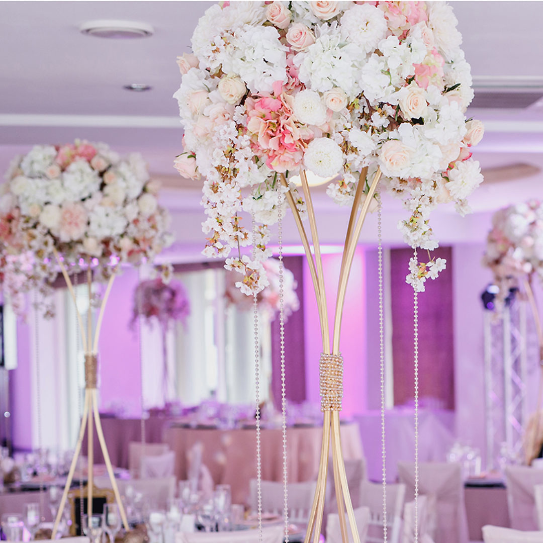 Centrepieces! 5 things to consider when choosing your centrepieces